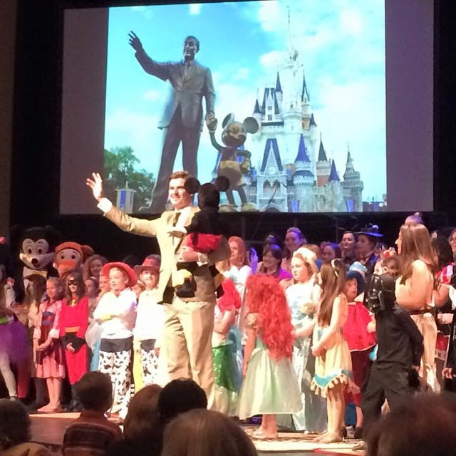 Performers along with Walt Disney (aka Rick Thacker) and Mickey take a final bow.